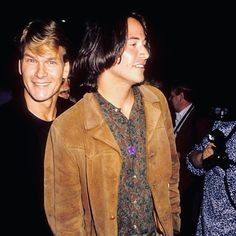 PIC 3. 1991 in the #pointbreak era! Here with another hunk: #patrickswayze. 👌🏻👌🏻❤️🖤❤️😍 #keanucharlesreeves #keanustory #keanureevesfans #keanureevesfan #keanuthroughtheyears