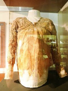 The Tarkhan dress This dress...was excavated at Tarkhan. Tarkhan was one of the most important cemeteries from the time that Egypt was unified around 3,000 BC...Petrie excavated a pile of linen from a Dynasty I (c2,800 BC) tomb in 1913. It was only in 1977, when this linen pile was cleaned by the Victoria and Albert Museum Textile Conservation Workshop, that the dress was discovered.