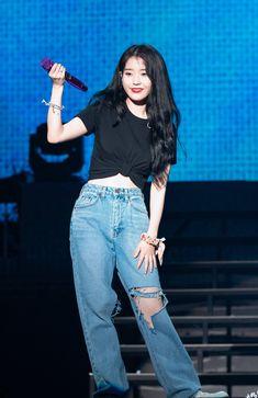Our social Trends Korean Girl Fashion, Blackpink Fashion, Kpop Fashion Outfits, Stage Outfits, Korean Outfits, Korean Airport Fashion, Korean Clothes, Kpop Shirts, Kpop Mode