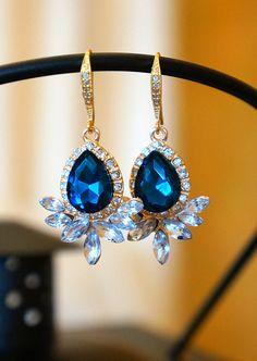 Strikingly Sapphire and Crystal Dangle Earring - Wedding Jewelry - Swarovski Crystal Earring - Bridal Earring