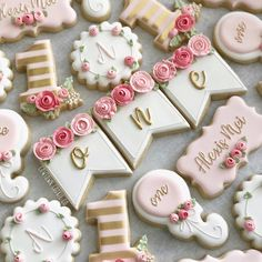 Friday floral love🌸💕💐 Have a great weekend! Baby Cookies, Flower Cookies, Baby Shower Cookies, Cute Cookies, Royal Icing Cookies, Cupcake Cookies, Sugar Cookies, Cupcakes, First Birthday Cookies