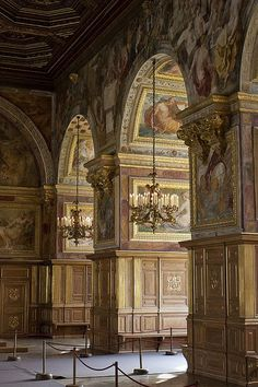 "Salle de bal Château de Fontainebleau--hunting lodge of the Bourbons - 55 miles from Paris . (The ""hunting lodge"" is the part I like the most. Versailles, Amazing Architecture, Architecture Details, Beautiful Buildings, Beautiful Places, Belle France, Famous Castles, French Chateau, Paris France"