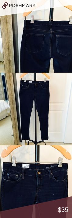 GAP Jeans In great condition. Legging jean. Size 27 or 4. 70% cotton, 27% polyester, & 3% spandex GAP Jeans Skinny