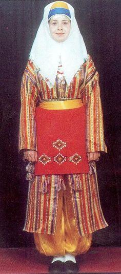 Turkey's Adana Region Clothing / Adana Yöresi Giysileri [http://kayrakostum.com/Kostum-45-adana.aspx]