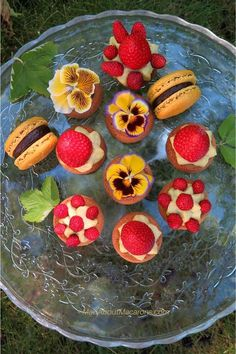 Palets Bretons French Biscuits Easy home baked cookies Biscuit Cookies, No Bake Cookies, Yummy Cookies, Egg Yolk Recipes, Easy French Recipes, Compulsive Eating, Palet Breton, Biscuits, Strawberry Cakes