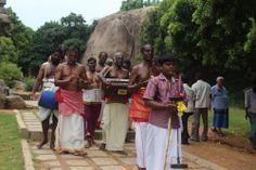 Procesión Hindú Mahabalipuram Chennai Tamil Nadu India. Conoce más sobre el hinduismo y en nuestro artículo de Desarrollo Peregrino, #Blog de #Viajes.