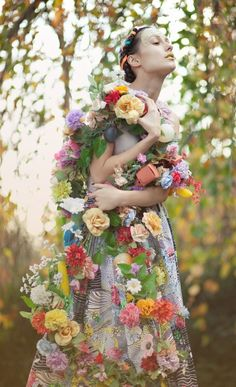 ❀ Flower Maiden Fantasy ❀ beautiful photography of women and flowers - woodland garland