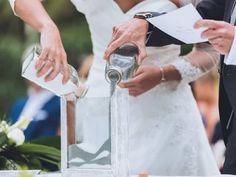 ¿Queréis que la boda refleje vuestra personalidad? Si como novios os casáis por lo civil, podréis jugar con cada detalle de la ceremonia, convirtiéndola en única, excepcional e inolvidable. Inspiraos con estas fantásticas ideas que os mostramos.