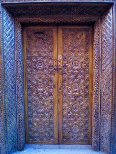 porton clasico puertas rusticas puertas de madera puertas antiguas portones de madera