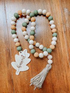 Wood Bead Garland, Leaf Garland, Diy Garland, Beaded Garland, Garland Ideas, Rustic Fall Decor, Boho Decor, Halloween Beads, Fall Banner