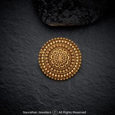 Antic Jewellery, Gold Temple Jewellery, Antique Jewellery Designs, Gold Ring Designs, Gold Earrings Designs, Antique Jewelry, Diamond Jewellery, Jewelry Design, Gold Jhumka Earrings