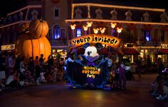 Mickeys Not So Scary Halloween Party!!