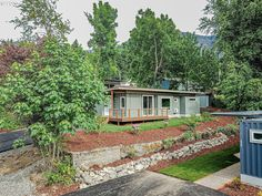 Beautiful Container House in Oregon - Living in a Container Storage Container Homes, Container House Plans, Container House Design, Small House Design, Shipping Container Cabin, Shipping Container Home Designs, Shipping Containers, Zero Energy Building, Cascade Locks