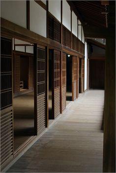 Kyoto houses. Wooden sliding doors