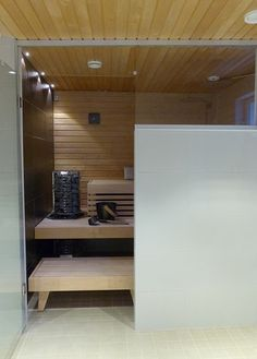 sauna lauteet,kiuas,saunatilat,pesutilat,vaalea puu