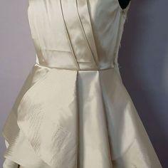 Dress! #designer #CUSTOM #STREETSTYLE #fashion #sleeveless #dallexi #world #snow #love #style #celebrity #girl #назаказ #natural #fashionista #streetstyle #behindthescenes #moscow #sanktpeterburg #etsy #wedding #dress #girl #назаказ #mommyandme http://tipsrazzi.com/ipost/1507983419768991226/?code=BTtbu4-gm36
