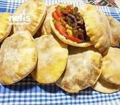 Balon Ekmekler (ici bombos) Happy Cook, Good Food, Yummy Food, Delicious Recipes, Cookery Books, Easy Bread, Turkish Recipes, Meat Recipes, Pasta Recipes
