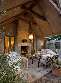 31 Inspiring and stylish outdoor room design ideas. Great link to all kinds of decorating ideas--inside and out.