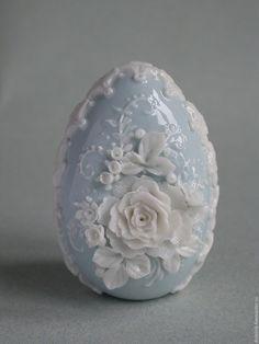 """Купить Пасхальное яйцо """"Нежность"""" - голубой, белый, яйцо, Пасха, пасхальное яйцо, ручная лепка"""