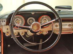 1957-chrysler-windsor-steering-wheel.jpg 640×480 pixels