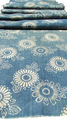 Bleu (comme) • Indigo antique. Main tissés japonais Katazome coton. Aizome.