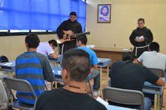 Iniciando Nuestro Encuentro Vocacional para jovenes de 17 a 30 años. 10-10-14