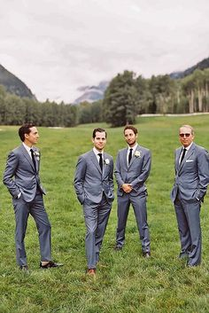 Spectacular Groomsmen Photos Poses Ideas That You Can't Miss Gray Groomsmen Suits, Groomsmen Poses, Groom And Groomsmen, Wedding Photography Poses, Wedding Photography Inspiration, Wedding Poses, Wedding Ideas, Wedding Details, Diy Wedding
