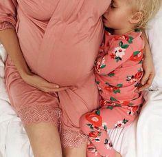 #homebirth #childbirth #birth #naturalbirth #labor #newborn #birthphotograhy Baby Bumps, Baby Fever, Pregnancy Belly, Second Pregnancy, Pregnancy Photos, Pregnancy Style, Ohana, Sweet Picture, Nice Pick