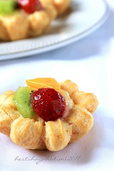 HESTI'S KITCHEN : yummy for your tummy: Fruit Choux (Sus Vla Buah)
