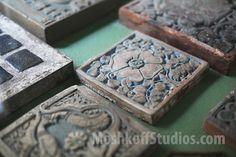 Оригинальные плитки Batchelder на дисплеее в музее мастерской.