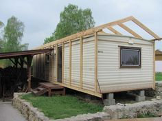 Enriching enlarged porch design ranch have a peek here Mobile Home Roof, Mobile Home Exteriors, Mobile Home Renovations, Mobile Home Makeovers, Mobile Home Living, Remodeling Mobile Homes, Caravan Renovation Diy, Caravan Makeover, Mobile Home Addition