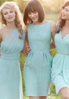 I want the one in the middle for my bridesmaids but in light yellow!