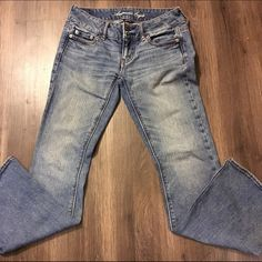 American Eagle Artist stretch jeans This is a pair of good condition stretch Artist American eagle jeans they are size 00 short flare Bootcut American Eagle Outfitters Jeans Flare & Wide Leg