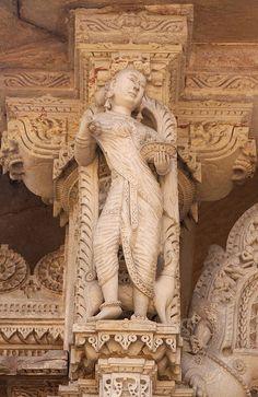 The Hutheesingh Jain Temple in Ahmedabad (Gujarat).
