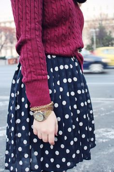 I Love the burgundy sweater & Polka-dot skirt. Fall Winter Outfits, Winter Fashion, Winter Style, Casual Outfits, Cute Outfits, Modern Outfits, Burgundy Sweater, Modest Fashion, Fashion Clothes