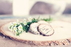 Having a lot of out of town or out of state guests? Here are 50 state themed wedding ideas!