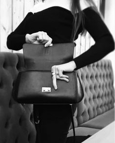 Beautiful Leather finish inside and out. Finest touches and elements. Every single bag is 100% handcrafted and each bag has unique serial number. This bag for example is made over three days by the artisan leather master, crafting all the beautiful lines of Serena bags to bring you an ultimate product of highest quality and modern design. #serenaluxuryhandbags #blackandwhitefashion #classicstyling #handbagshop #handbag #pickoftheday #scandinavianinfluencer #luxuryhandbags #mondaymood… Luxury Bags, Luxury Handbags, Oversized Bags, Beautiful Lines, Leather Bags Handmade, Patterns In Nature, Three Days, Vivienne, Modern Design