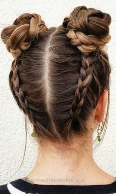 Braided Space Buns Channel your inner Ariana Grande, with these super cute buns!… Braided Space Buns Channel your inner Ariana Grande, with these super cute buns!…,Frisuren Braided Space Buns Channel your inner Ariana Grande,. Braided Space Buns, Braided Buns, Bun Braid, Messy Buns, Bun Updo, Halo Braid, Cute Hairstyles For Teens, Hairstyle Ideas, Hair Ideas