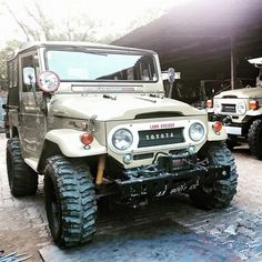 FJ40 Land Cruiser... The Coolest Car of All Time! : Photo