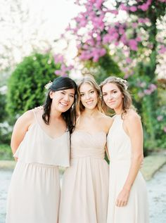 Neutral hued bridesmaids: http://www.stylemepretty.com/2016/04/13/a-portugal-wedding-straight-from-a-fairytale/ | Photography: Brancoprata - http://brancoprata.com/