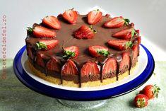 TORT CU MOUSSE DE CIOCOLATA SI CAPSUNI - Rețete Fel de Fel Something Sweet, Cheesecakes, Birthday Cake, Cooking, Desserts, Recipes, Mousse, Nails, Wedding