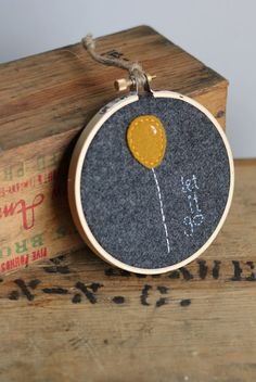 "Embroidery Hoop ""Let it Go"" / Inspirational Quote 4"" / Balloon / Mustard Yellow on Etsy, € 16,67"