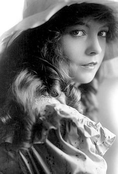 Lillian Gish great silent movie actress but also famous for some important movies in the golden era..especially in ''Night of the Hunter'' 1955 opposite Robert Mitchum...the movie was co-directed by Charles Laughton and a great success xo