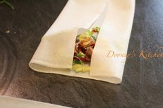 Wrap your homemade spring rolls method 1 @dooneyskitchen