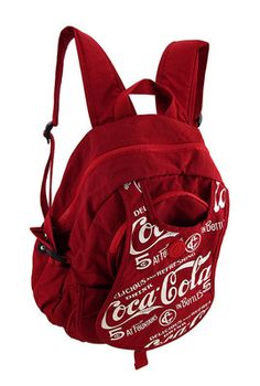 Red Nylon Coca Cola Backpack. ¡Con esta sí salgo a estudiar sin pensarlo 2 veces jaja!