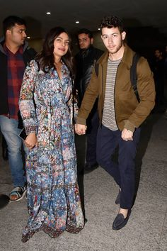 Priyanka Chopra and Nick Jonas's wedding in India is quickly becoming a late contender for the Celebrity Wedding of See the latest pictures of Priyanka Chopra's wedding and read the latest news Priyanka Chopra Wedding, Priyanka Chopra Hot, Raveena Tandon Hot, Western Dresses For Women, Deepika Padukone Style, Indian Photoshoot, Actress Pics, Nick Jonas, Indian Designer Wear