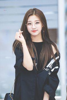 Korean Women, Korean Girl, Asian Girl, Asian Ladies, Kpop Girl Groups, Kpop Girls, K Pop, Yein Lovelyz, Soyeon