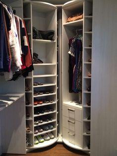 Los closets con elementos giratorios, son más espaciosos