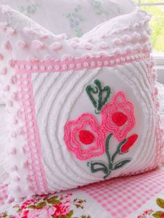 PP VINTAGE CHENILLE MATELASSE CAMEO ROSE BOUDOIR by thepinkpalace, $55.00