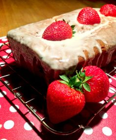Strawberry Cake with a Vanilla Cream Glaze www.theglasgowscullery.com